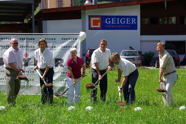 Spatenstich zur Erweiterung der Werkstatt 2008